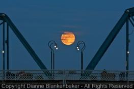 02 Moon over Walnut 1