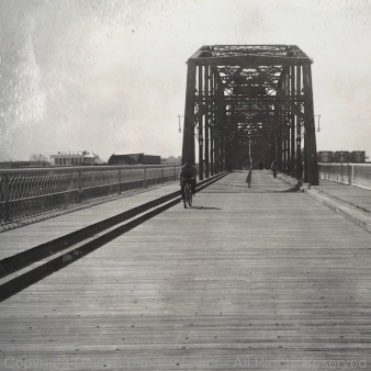 Cropped to center bridge at intersection of thirds