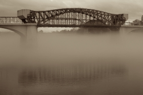 The Market Street Bridge disappearing and reappearing from behind fog
